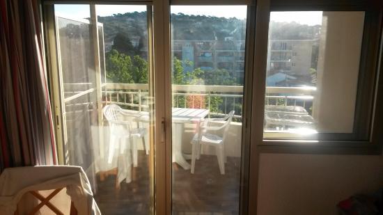 Pierre & Vacances Résidence Les Platanes : belle terrasse