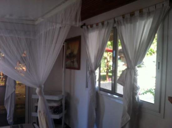 Ifaty Beach Club: intérieur bungalow 02 personnes