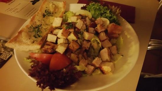 Restaurante Danun: Caesar salat