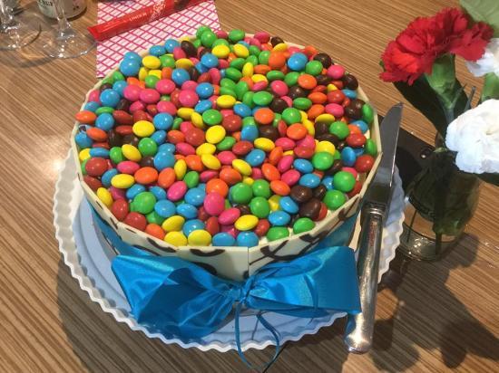 Raymond Terrace, Australia: The Cake!
