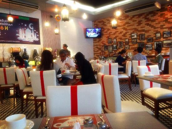 The mezzanine foto pusat perbelanjaan surabaya town - Foto mezzanine ...