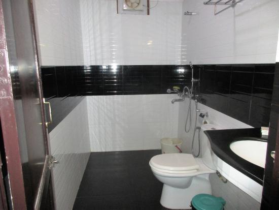 Clafouti Beach Resort: Bathroom