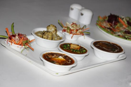 Ram Babu Parathe Wale: Matar paneer malai kofta dal makhni salad