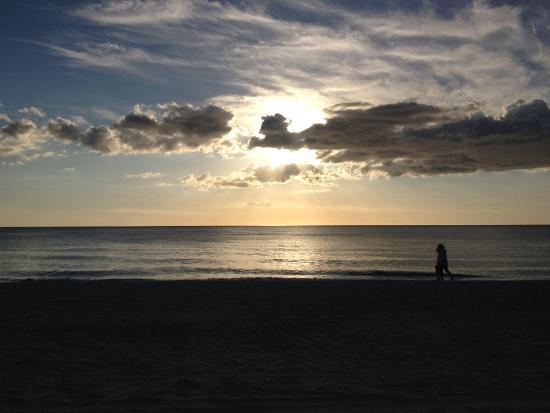 Beachside Village Resort: Sunrise walk at the beach