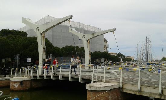 Il Ponte delle Paratoie