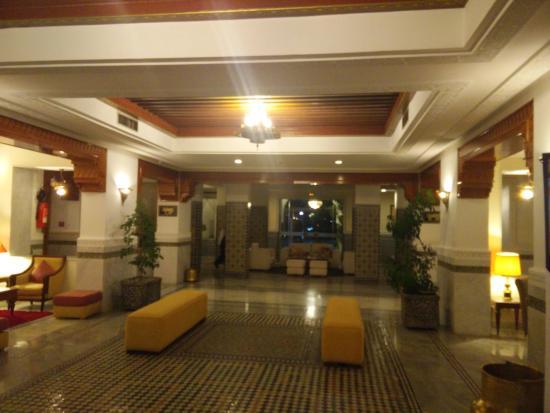 Hotel Transatlantique Meknes: Hall de entrada