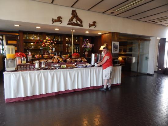 Gran Hotel San Luis: Desayunador