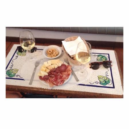 Al Vino al Vino: Een van de vele lekkere hapjes bij een goed glas wijn!