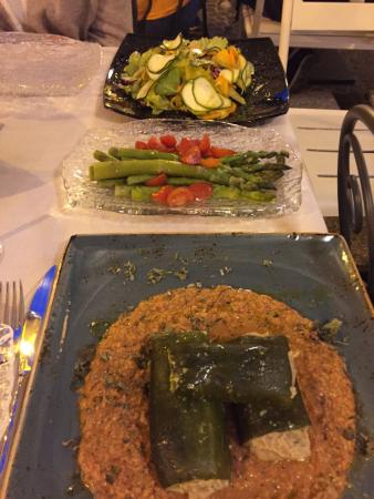 stuffed zucchini, asparagus and mixed salad