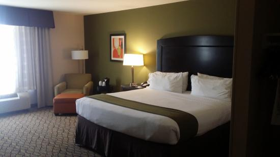 Holiday Inn Express & Suites Tulsa South/Bixby Photo