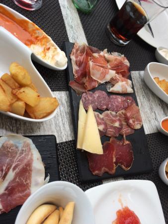 Tamariu Restaurant and bar
