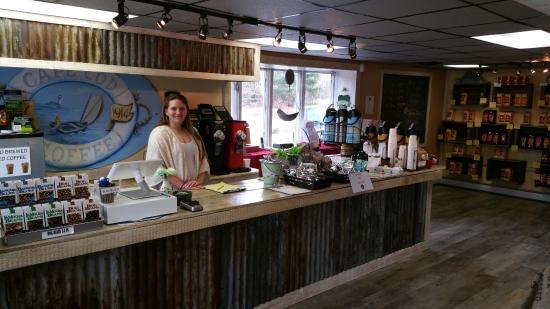 Mashpee, MA: Come enjoy some fresh coffee at our retail store