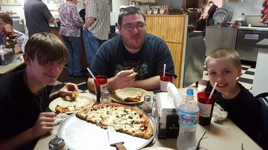 Morenci, MI: Awesome Pizza