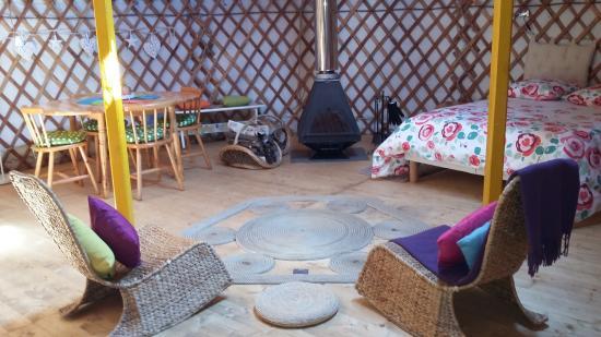 Camping de l'Aigrette: LA YOURTE