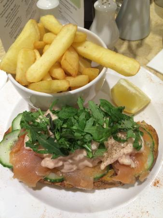 Smoked salmon and prawn sandwich (open-faced) w/chips