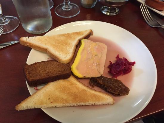 foie gras avec un chutney d 39 oignons et confiture de figues photo de le bistrot des halles. Black Bedroom Furniture Sets. Home Design Ideas