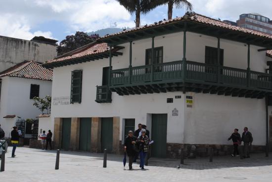 La Puerta Falsa: building next door its a museum