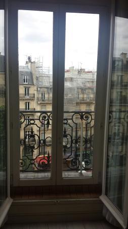 Hotel d'Argenson: Lobby, room key, view from balcony