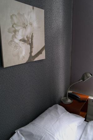 Hotel d'Amsterdam: Niewiele miejsca do zrobienia zdjęcia, sam pokój OK