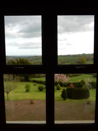 Llangattock Lingoed, UK: View from the room over the private garden