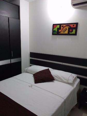 Hotel Carreno Plaza: Habitación