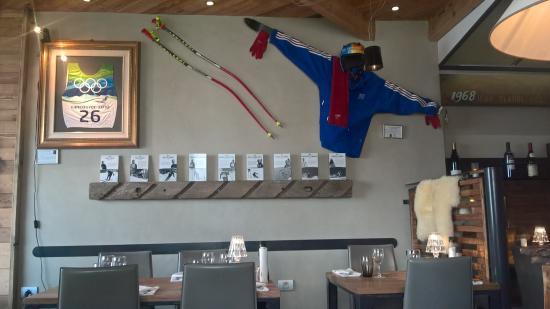 Restaurant L'olympiski - Hotel 3 Vallees : décoration murale
