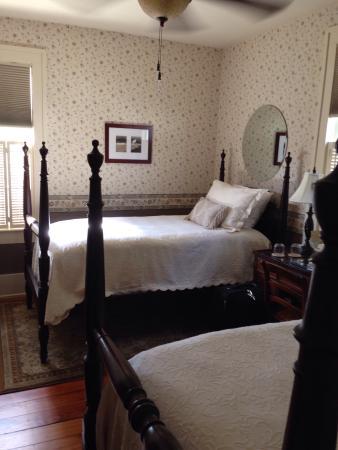 Beaufort, Kuzey Carolina: The Front Street Inn By The Sea
