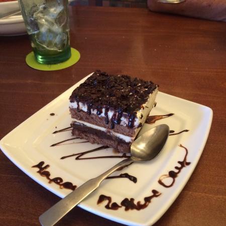 Genial Olive Garden: New Dessert. Chocolate Carmel Lasagna. Excellent.