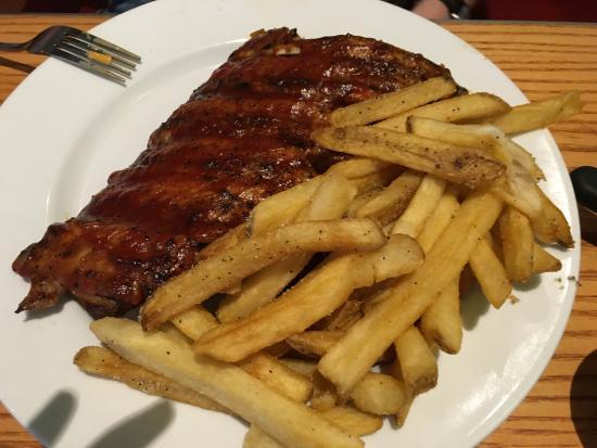 Wayne, PA: decent ribs and fries