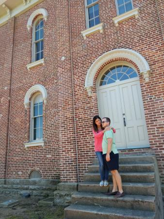 Jacksonport State Park: The old building... not open for tours.