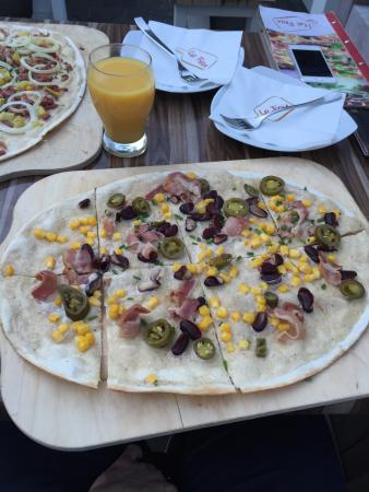 le feu der flammkuchen in osnabr ck restaurant bewertungen telefonnummer fotos tripadvisor. Black Bedroom Furniture Sets. Home Design Ideas