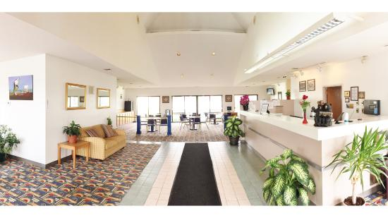 Photo of Americas Best Value - Courtyard Inn Fort Atkinson