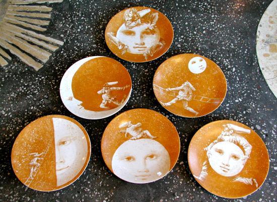Ca' Toga Galleria D' Arte: Porcelain Plates