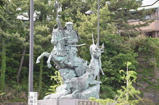 Hojo Soun Public Statue
