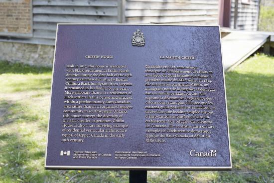 Ancaster, Kanada: Griffin House main plaque