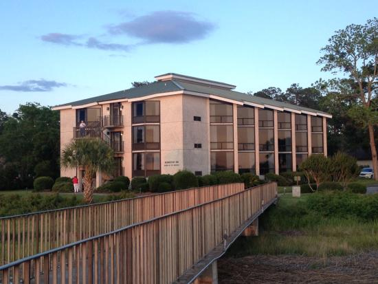 Epworth By The Sea: Robertson Inn overlooking Frederica River