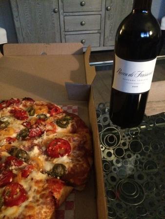 Thor's Pizzeria: photo0.jpg