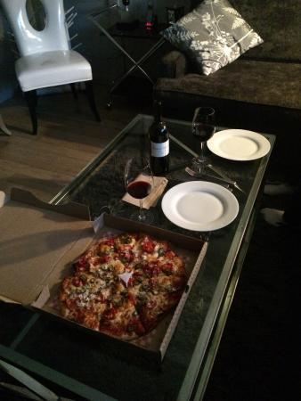 Thor's Pizzeria: photo1.jpg