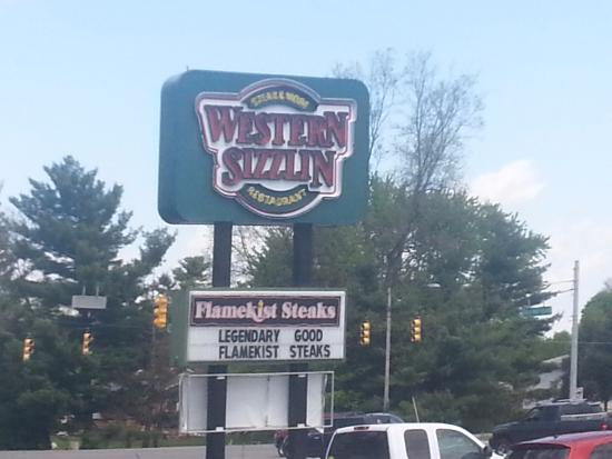 Western Sizzlin Steak House : The Sign Out Front