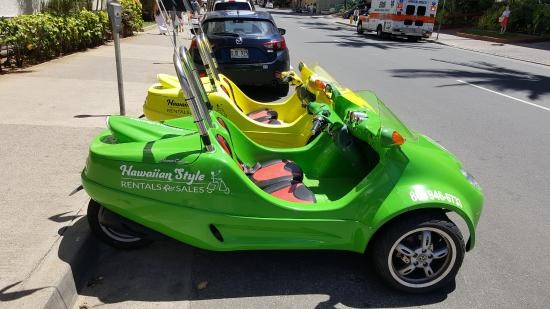 Hawaiian Style Rentals & Sales : SCOOT COUPE - 2 passenger (3- wheel) mopeds! So cool and stylis don't you think?