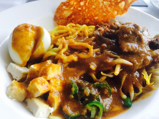Selasih: Nice Mee Rebus Tulang Rusuk (Ribs) good thick sauce and generous portions   They also serves the