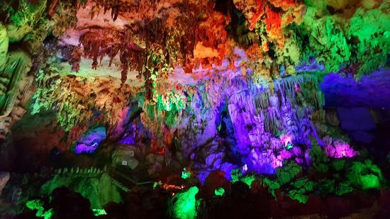 Yiling Cave Scenic Resort of Nanning