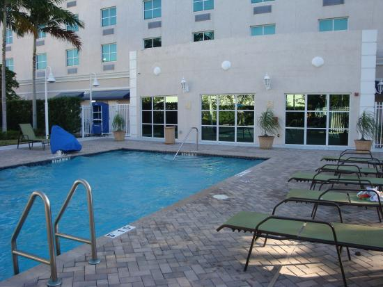 Pool - Holiday Inn Express Hotel & Suites Miami-Kendall Photo