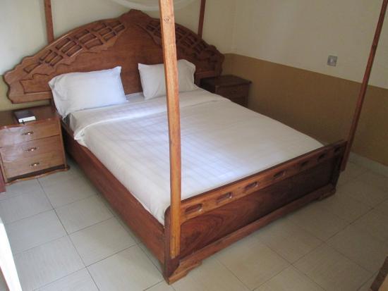 Nakasongola, Uganda: Bed  your disposal-2
