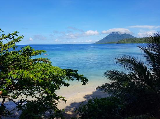 Bunaken Island Resort: 20160507_085506_large.jpg