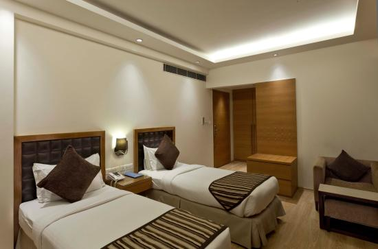 Saket 27: Twin Room