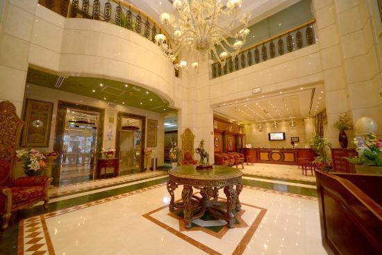 Nejoum Al Emarat : Hotel Entrance
