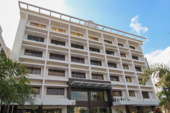 Swarna Palace Hotel