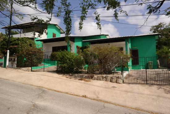Iguana Villa & Appartementen: Vooraanzicht complex