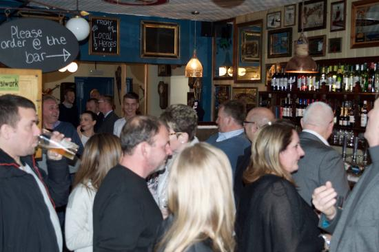 Bexhill-on-Sea, UK: Busy evening at Rocksalt-on-sea